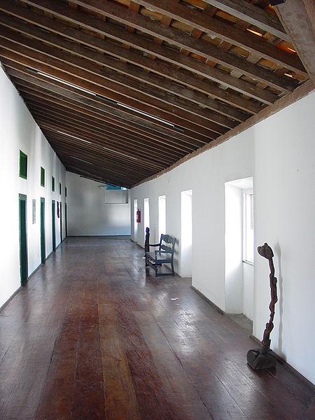 Ficheiro:Interior of Pousada do Convento do Carmo - Cachoeira - Bahia - Brazil.JPG