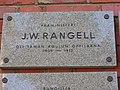J.W.Rangell oli taman koulun oppilaana... laatta kuvattu v.2018.jpg
