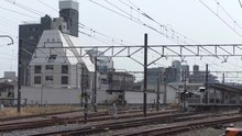 Файл:JR Kisarazu station suburban trains 2019 04 07.webm