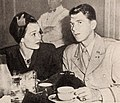 Jane Wyman with her husband Ronald Reagan, 1944.jpg