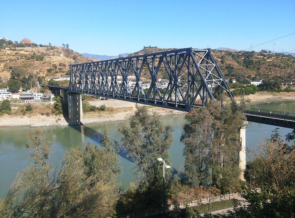 Jinshajiang Bridge of Chengkun Railway - noon.jpg