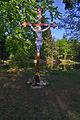 Kříž u rybníka v lese mezi Valchovem, Boskovicemi a Újezdem, okres Blansko (02).jpg