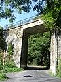Křivoklát, železniční most přes silnici 201, od Křivoklátu.jpg