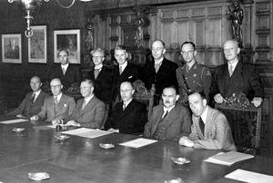 First Beel cabinet - Image: Kabinet 1946 07 SFA001013830
