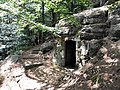 Kalvarie u Valdstejna - jeskyne.jpg