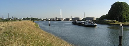 Oil port - Karlsruhe