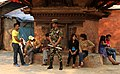 Kathmandu-Durbar Square-68-Wache vor Taleju-2013-gje.jpg