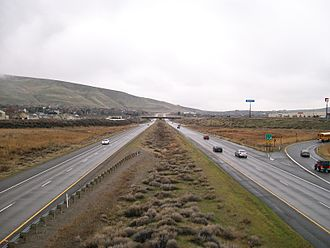Interstate 182 - I-182 eastbound approaching the Queensgate Drive exit in western Richland