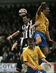 Игра головой в футбольном клубе может увеличить риск хронического повреждения головного мозга.