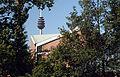 Kreuzkirche-Nbg-Fernmeldeturm.jpg