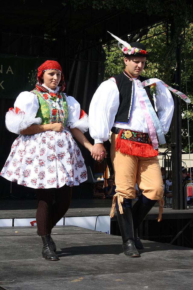 Флешмобы: Чешский национальный костюм