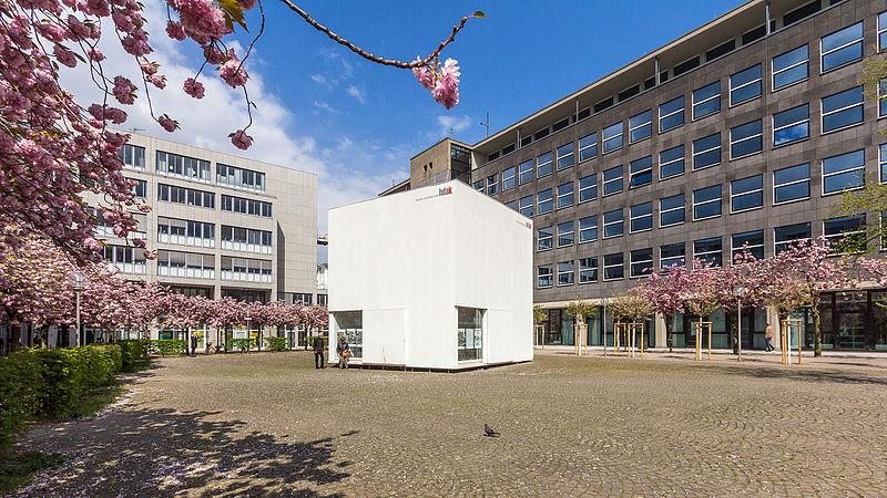 Datei kubus haus der architektur k ln josef haubrich hof kirschbl te wikipedia - Architektur kubus ...