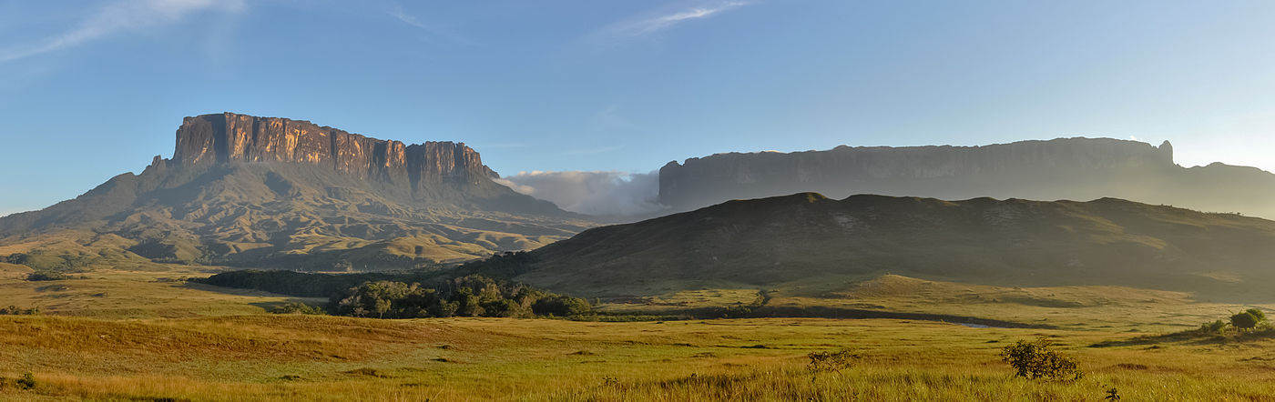 View of the tepuis, Kukenan and Roraima, in the Gran Sabana. Canaima National Park. Tepuis are among the attractions of the park, these mountains are among the oldest exposed formations on the planet. Kukenan Roraima GS.jpg