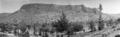 Kythrea. Fylleri, bergsryggen med grottöppningen - SMVK - C06073.tif