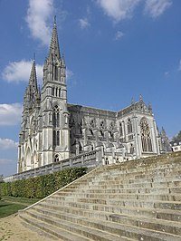 La Chapelle-Montligeon (61) Basilique 2.jpg