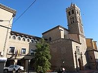La Puebla de Alfindén - Ayuntamiento - Iglesia de Nuestra Señora de la Asunción.JPG