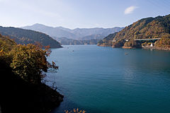Lake Miyagase 01.jpg