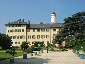 "Bad Homburg vor der Höhe - Landgraves' stately home with park and the Schlossturm (""Weißer Turm"" or ""White Tower""), Bad Homburg's landmark"