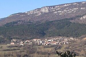 Lanišće - Image: Lanišće, Istria, Croatia view from south (3.2.2007.) zoom