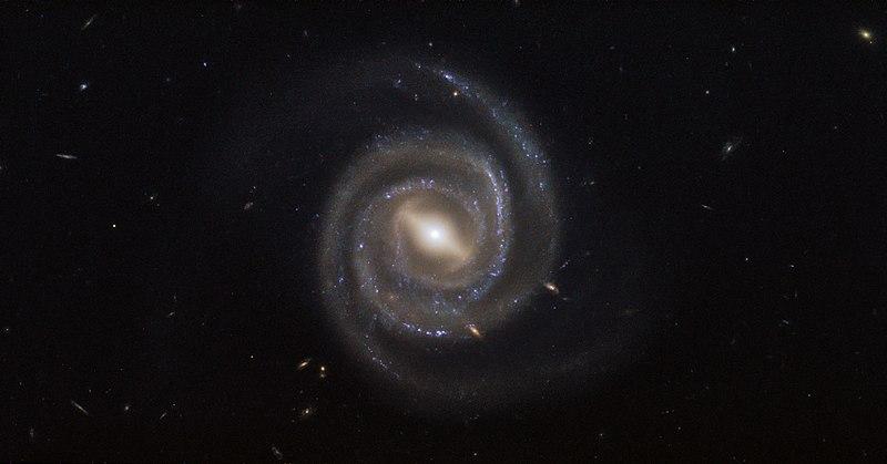File:Lasers and supermassive black holes UGC 6093.jpg