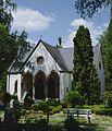 Leichenhalle des Diakoniefriedhofs Neuendettelsau.jpg