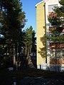 Liisankatu 8, mettässä, Luolavuori.jpg