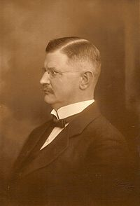 Lindskov, Claes - portrætter - foto Per Vædder - AF (bearbejdet).   jpg