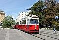 Linie 66 Reumannplatz 2.JPG