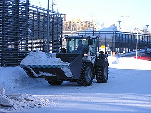 Loader (equipment) - Loader removing snow in Jyväskylä, Finland.