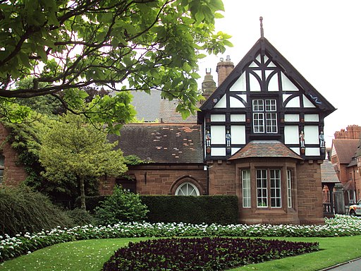 Lodge, Grosvenor Park, Chester - DSC07995