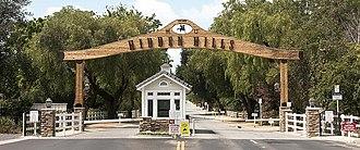 Hidden Hills, California - Image: Long Valley Road gate, Hidden Hills, California