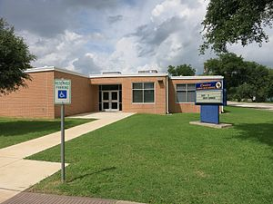 Louise, Texas - Image: Louise TX Junior High School