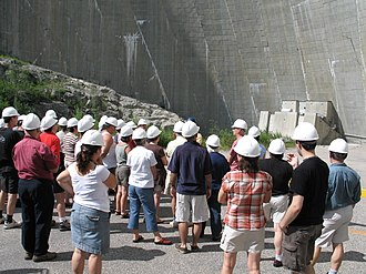 Daniel-Johnson Dam - Hydro-Québec organizes free guided tours of the facility during the summer.
