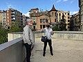 Manresa - carrers i places. La Seu - balcó mirant casa modernista-noucentista. Viquimarató 2021, foto54.jpg