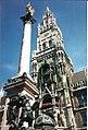 Mariensaeule und Rathausturm, Muenchen - geo.hlipp.de - 5755.jpg