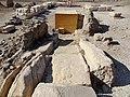 Medinet Habu Ramses III. Brunnen 03.jpg