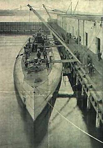 German submarine Deutschland - Deutschland unloading in New London, 1916.