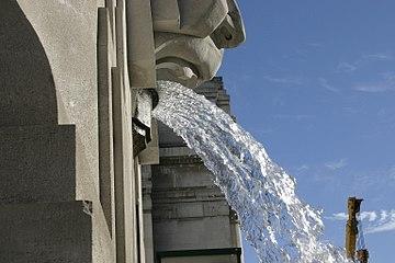 Milano - Fontana della Stazione centrale - Foto Giovanni Dall'Orto - 3-jan-2007 - 08.jpg