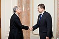 Ministru prezidents Valdis Dombrovskis tiekas ar Japānas vēstnieku Latvijā Tošijuki Tagu (8363164691).jpg