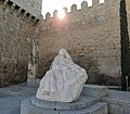 Monumento a Santa Teresa de Jesús en Ávila (obra de Vassallo).jpg
