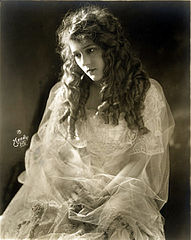 Moody-Mary.Pickford.jpg