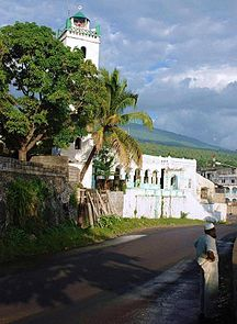 Comoros-Demographics-Moroni Mosque Photo by Sascha Grabow