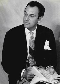 Moss Hart 1940.JPG