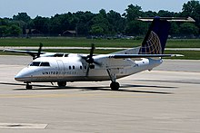 united express bombardier dash 8 q200 operated by commutair