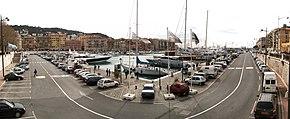 Vue panoramique à 180° du port de Nice.