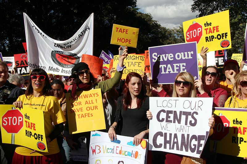 File:NMIT AEU members were there - TAFE teachers and students rally outside Premier Baillieu's office.jpg