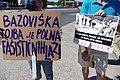 Napisi na protestu proti predsedniku Borutu Pahorju na Fernetičih 02.jpg