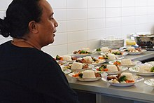 School meal - Wikipedia