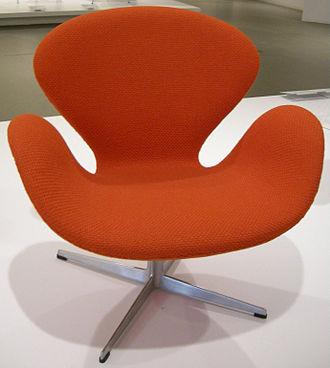 Fritz Hansen - Image: Ngv design, arne jacobsen, swan chair, 1958