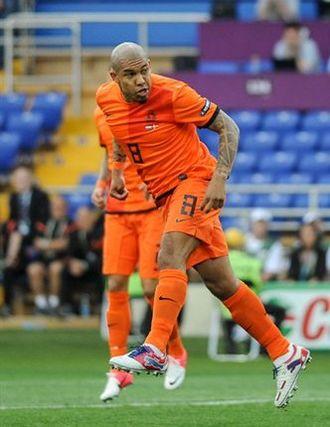 Nigel de Jong - De Jong in action for the Netherlands